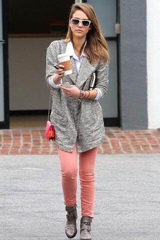 jessica alba- street style-fashion- pink pants