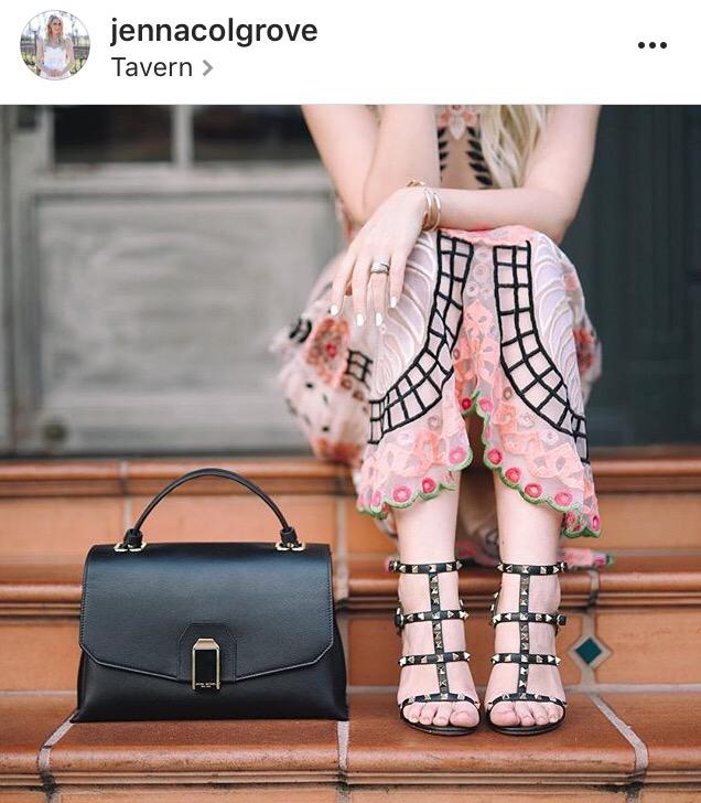 jenna colgrave- instagram- fashion blogger- valentino shoes- pink dress
