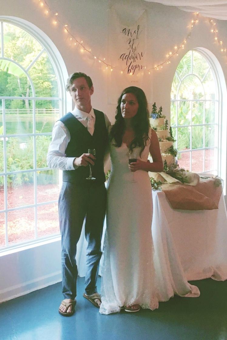 wedding couple- toasting- wedding decoration- wedding story- fashion blog