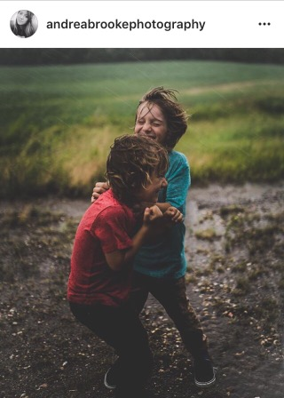 children playing- photography- rain- fashion blogger